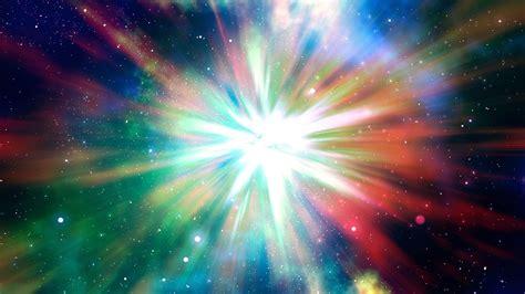 Una poderosa explosión en el espacio envía una onda de ...