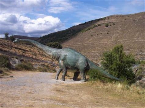 Una ruta de los dinosaurios por tierras riojanas   Turispania