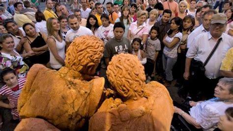 Una veintena de estatuas humanas de 12 países compiten hoy ...
