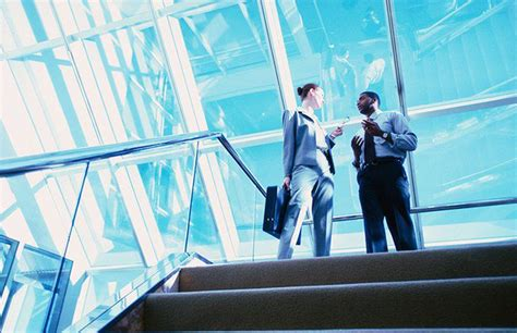 Understanding Investment Banking vs. Commercial Banking