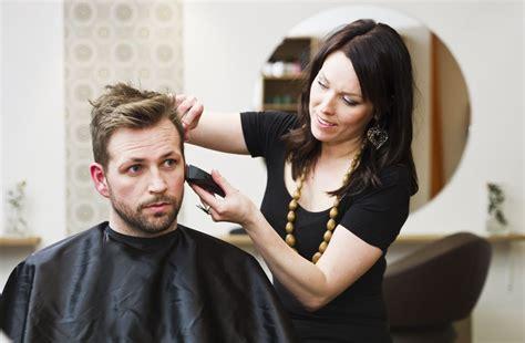 Unisex Haircut Salon Near Me   Wavy Haircut
