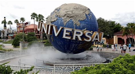 Universal Orlando es el primer gran parque temático que ...