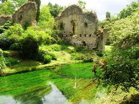 Uno dei giardini più belli del mondo si trova vicino Roma ...