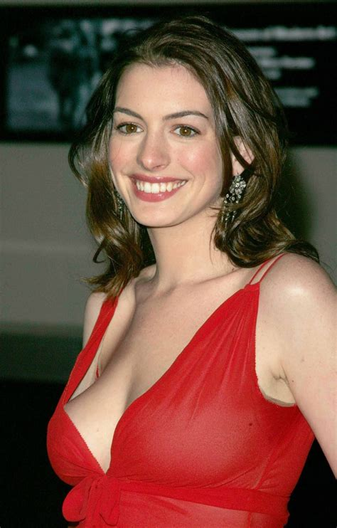 Unseen Anne Hathaway Hot Wallpapers ~ 521 Entertainment World