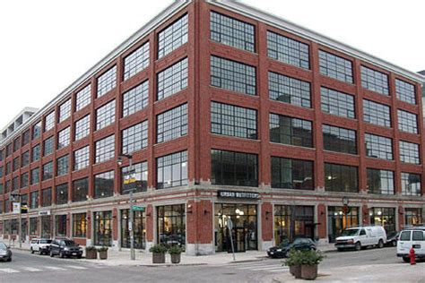 Urban Outfitters 1937 East Kenilworth Place, Milwaukee, WI ...
