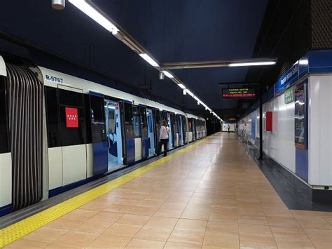 UrbanRail.Net > Madrid Metro > Línea 10   Fuencarral ...