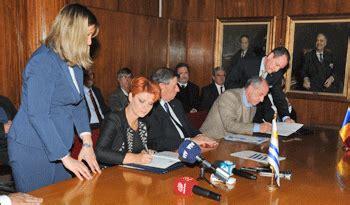 Uruguay firmó el primer acuerdo bilateral de seguridad ...