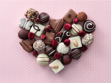 Valentines Day 2017: Why we give chocolates on 14 February ...