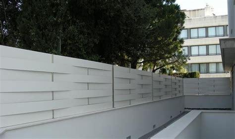 Valla de compacto fenolico color blanco. Vallas de ...
