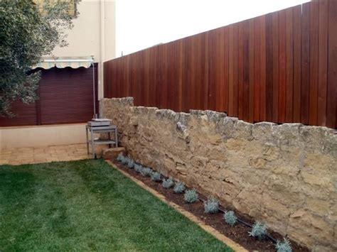 Valla jardineria   Muros de jardin, Rincón de jardín ...