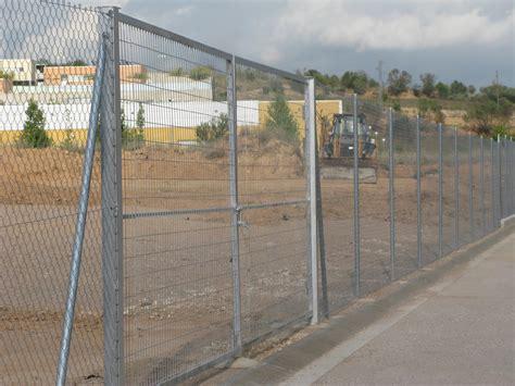 vallas metálicas: PUERTAS EN BARCELONA