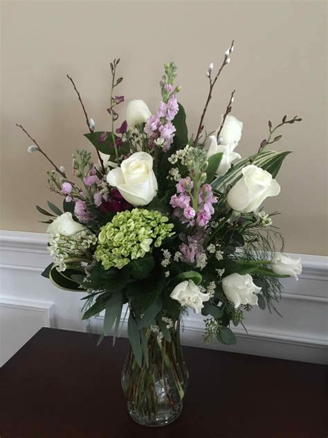 Vase Arrangements  Sympathy    Fleur tatious Floral Design