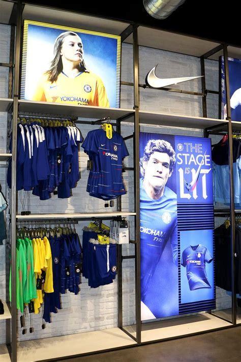 Ven a visitar nuestra tienda de fútbol de Barcelona. Aquí ...