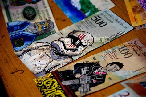 Venezuelan inflation: Locals take to sewing currency bags ...