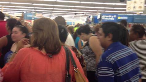 Venta  Black Friday , Walmart Mayagüez, Puerto Rico. 29 de ...