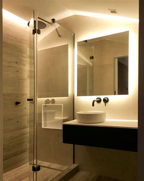 Ventajas de los espejos iluminados en el baño   UNIBAÑO