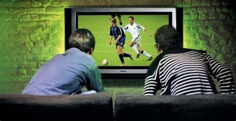 Ver todo el fútbol en España: 85 euros al mes + IVA ...