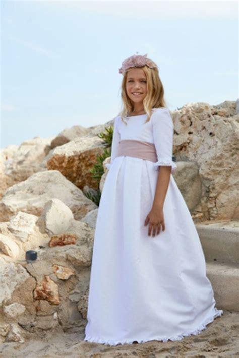 Vestidos de comunión para niñas 2020: sencillos, modernos ...