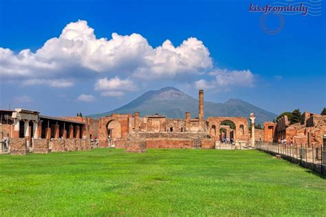 Vesuvius and Pompeii Daytrip from Amalfi Coast ...
