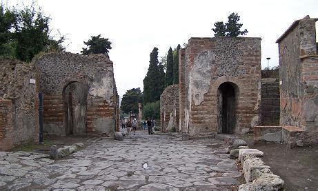 Viaje a Italia: Necrópolis en Pompeya