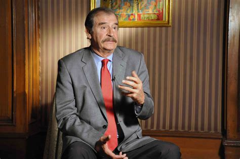 Vicente Fox pide a padres de normalistas aceptar  la ...