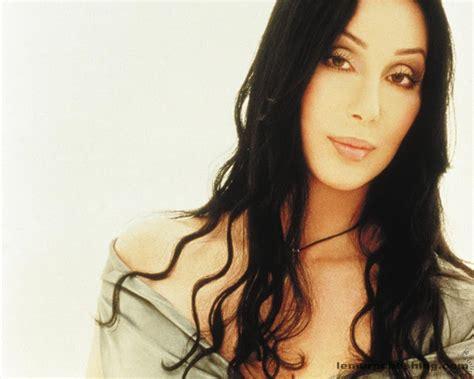 VIDEO  Cantante estadounidense Cher llama a no comprar en ...