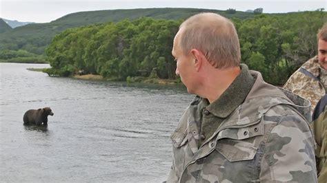 VIDEO: El encuentro de Putin con un oso en Rusia   POSTA
