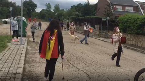 Vídeo: La cacerolada contra el Gobierno llega al chalet de ...