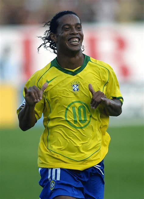 VÍDEO: Ronaldinho ahora canta