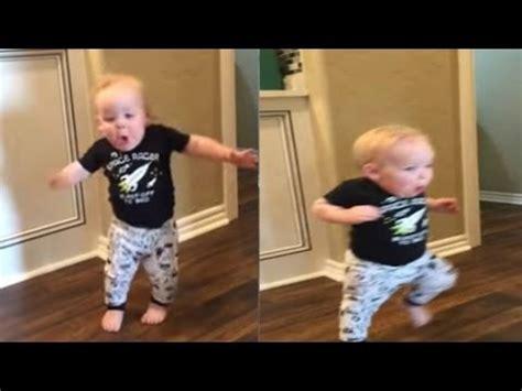 Vídeos de niños traviesos muy graciosos  video de risa [Mr ...