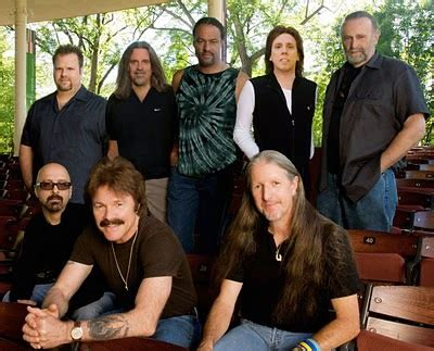 Videos y Música: The Doobie Brothers: Listen To The Music