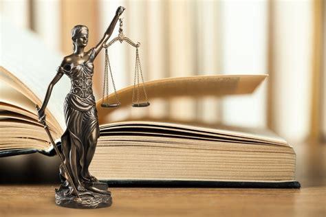 Vienen cambios radicales y profundos a la Constitución ...