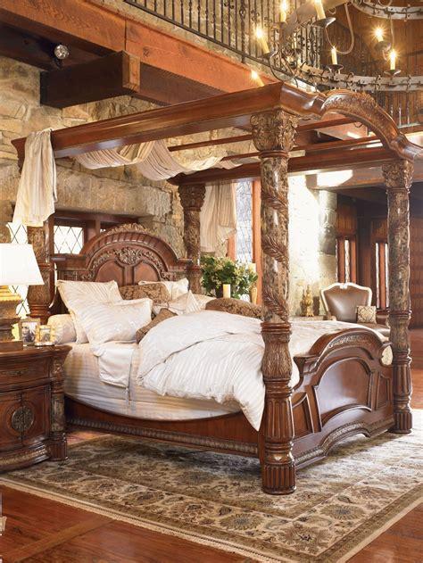 Villa Valencia Canopy Bedroom Set from Aico  72000 ...