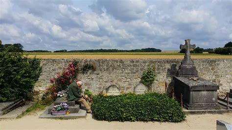 Vincent Van Gogh Grave Auvers Oise Retired Grandpa resting ...
