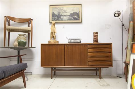 Vintage Furniture Stores in Toronto: What The Vintage