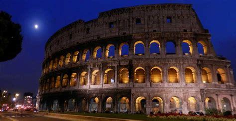 Visita Coliseo de Noche, la Antigua Roma bajo la luna ...