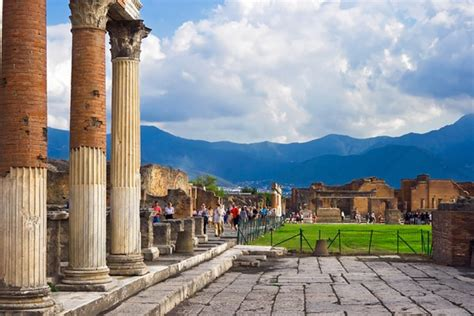Visiting Pompeii: 11 Top Attractions, Tips & Tours ...