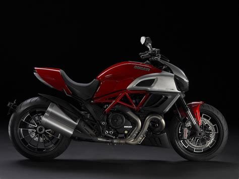 VISUAL GRATIFICATION: DUCATI unleashes the Diavel