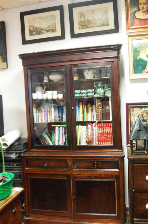 vitrina antigua de pino americano y chapado de   Comprar ...