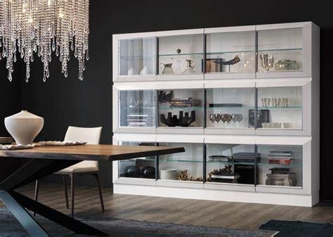 Vitrina de comedor minimalista | Muebles, puertas ...
