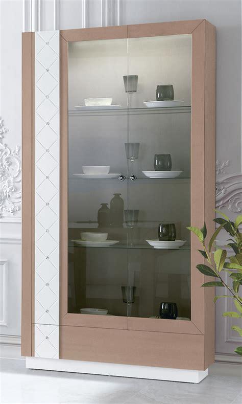 Vitrina vajillero con 2 puertas de cristal y detalle de ...