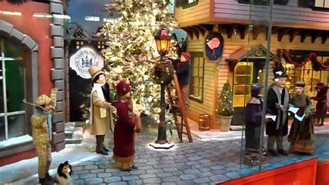 Vitrinas de Navidad en el city Hall, Toronto   YouTube