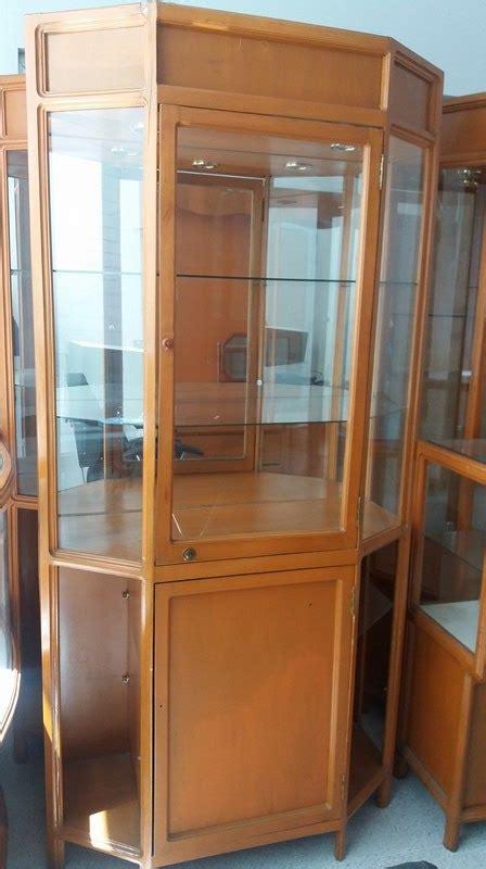 Vitrinas En Madera Optica Boutique Joyeria Negocio ...