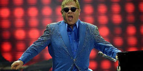 Vladimir Putin calls Elton John, this time for real