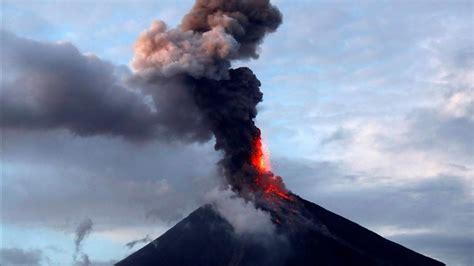 Volcán en México arroja ceniza por gran exhalación