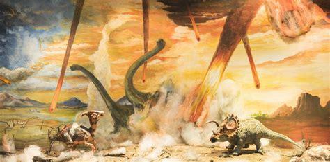 Volcano vs Dinosaurs vs Asteroid