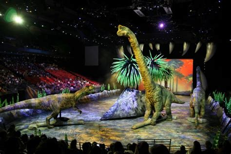 Walking With Dinosaurs Photo Gallery   show runs in ...