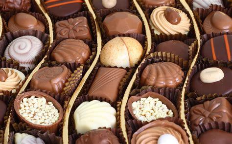 Wallpaper Inside: Chocolate