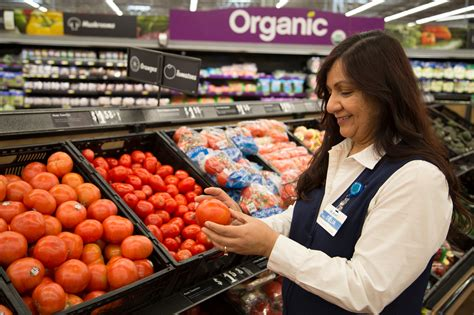 Walmart Bets on Grocery Delivery   The Motley Fool