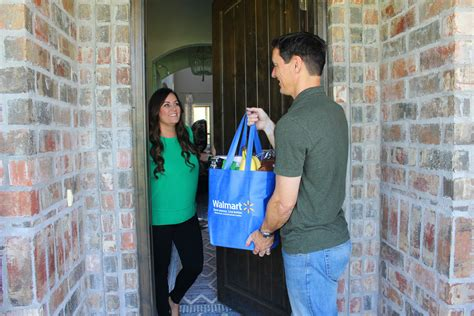 Walmart Expands Its Grocery Delivery Service Providers